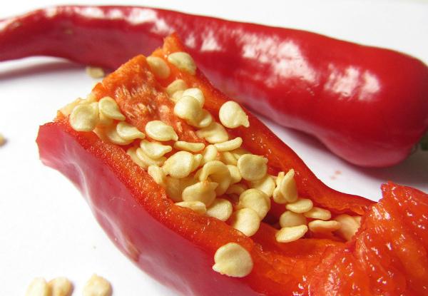 Плоды перца чили с семенами