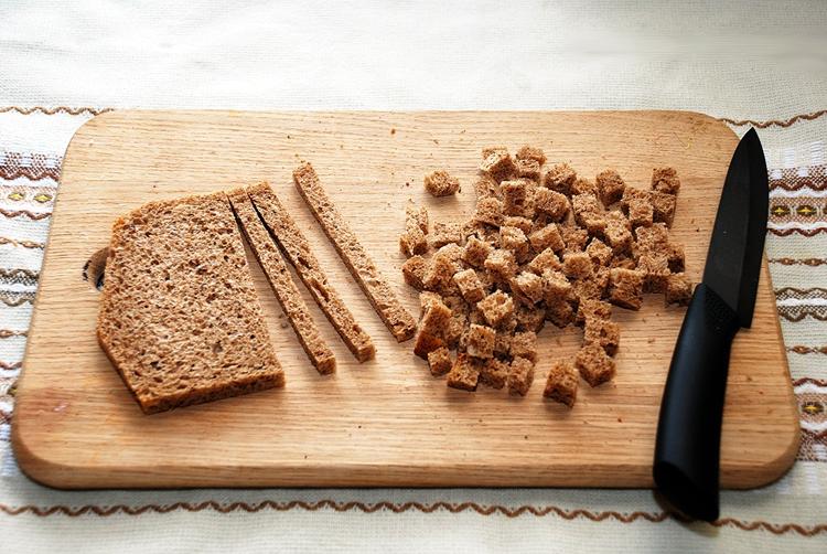Подготовка хлеба для подкормки