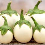 Маленькие белые баклажаны