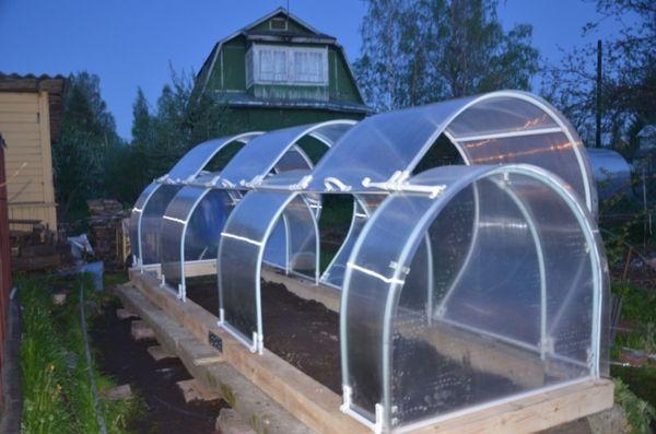 Открывающаяся крыша теплицы пригодится летом