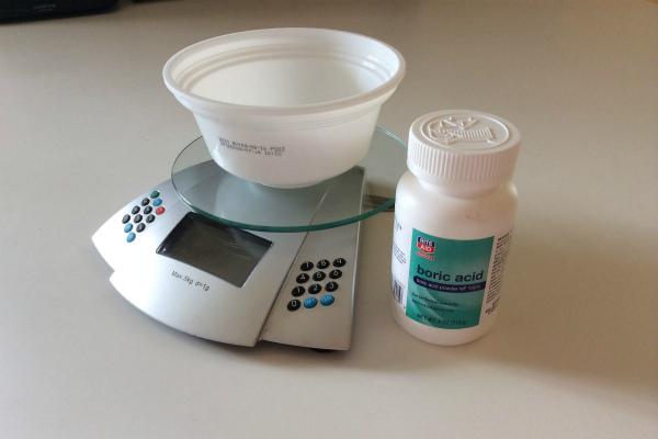 Приготовление раствора борной кислоты для опрыскивания огурцов