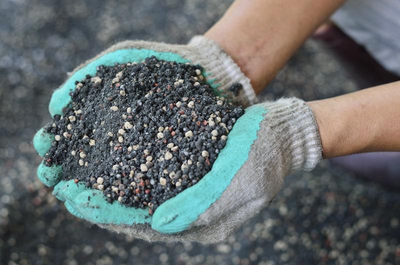 Комплексное удобрение почвы