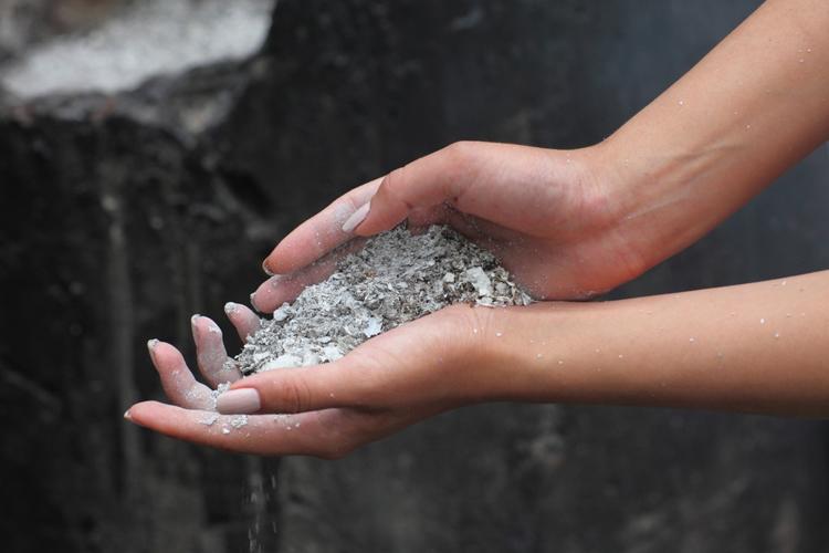 Зола для удобрения почвы