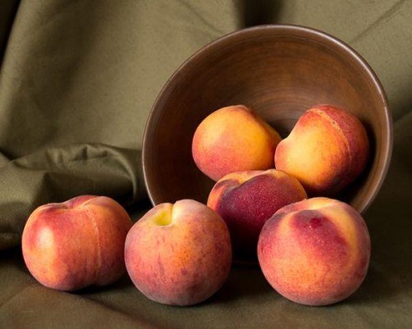 Персикам дают возможность доспеть