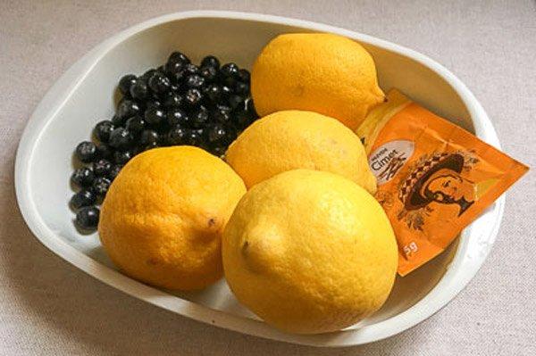 Ингредиенты для варенья из черноплодной рябины с лимоном без варки