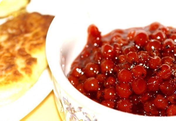 Классический рецепт варенья из красной рябины на зиму