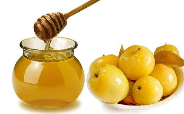 Сладкие моченые яблоки с медом