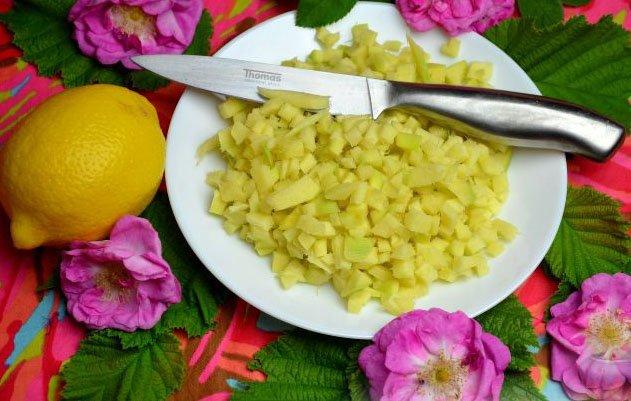 Лимон и имбирь для приготовления варенья из лепестков роз