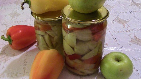 Маринованные яблоки с болгарским перцем